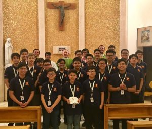 "Primer ""Knights of the Altar Vatican Training"" del Everest Academy Manila"