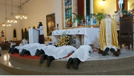 Dos señores del Regnum Christi de Cozumel son ordenados diáconos permanentes