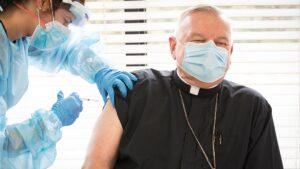 Católicos y vacunas Covid: ¿Un católico debe vacunarse? Y otras cuestiones morales