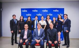 «Lo vimos como el complemento perfecto para las carreras que están estudiando» – Jóvenes se gradúan del diplomado de ética en VALIA